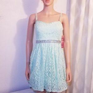 #716 Emerald Sundae Lace Fit & Flare Dress Small